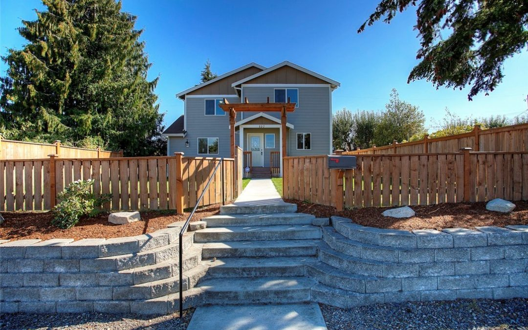 Immaculate, Beautiful 3-Bedroom Home w/Large, Fenced Yard in Tacoma