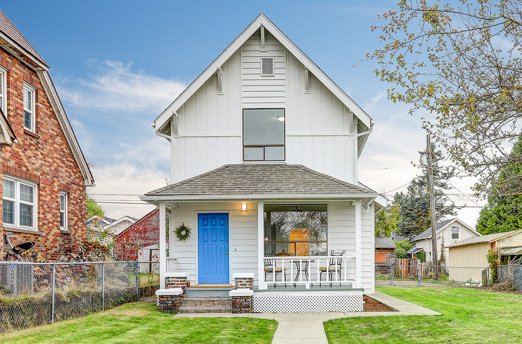 Farmhouse in Lincoln District – Tacoma, WA
