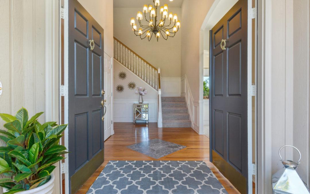 Elegant View Home – NE Tacoma, WA
