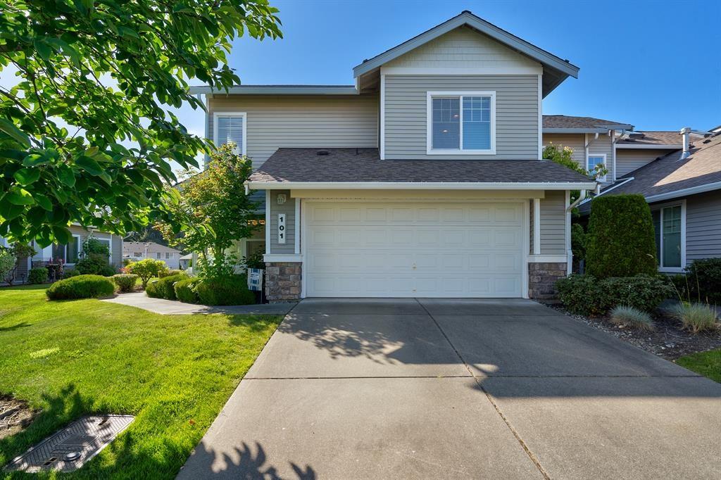 Lakeland Hills Condominium - Jenny Wetzel Homes