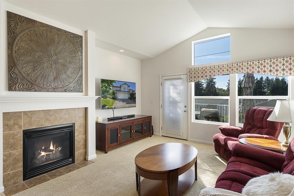 Lakeland Hills Condo - Jenny Wetzel Homes