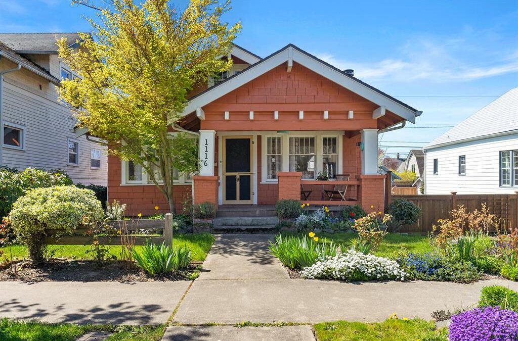 Craftsman Home in North Slope Tacoma – JUST LISTED